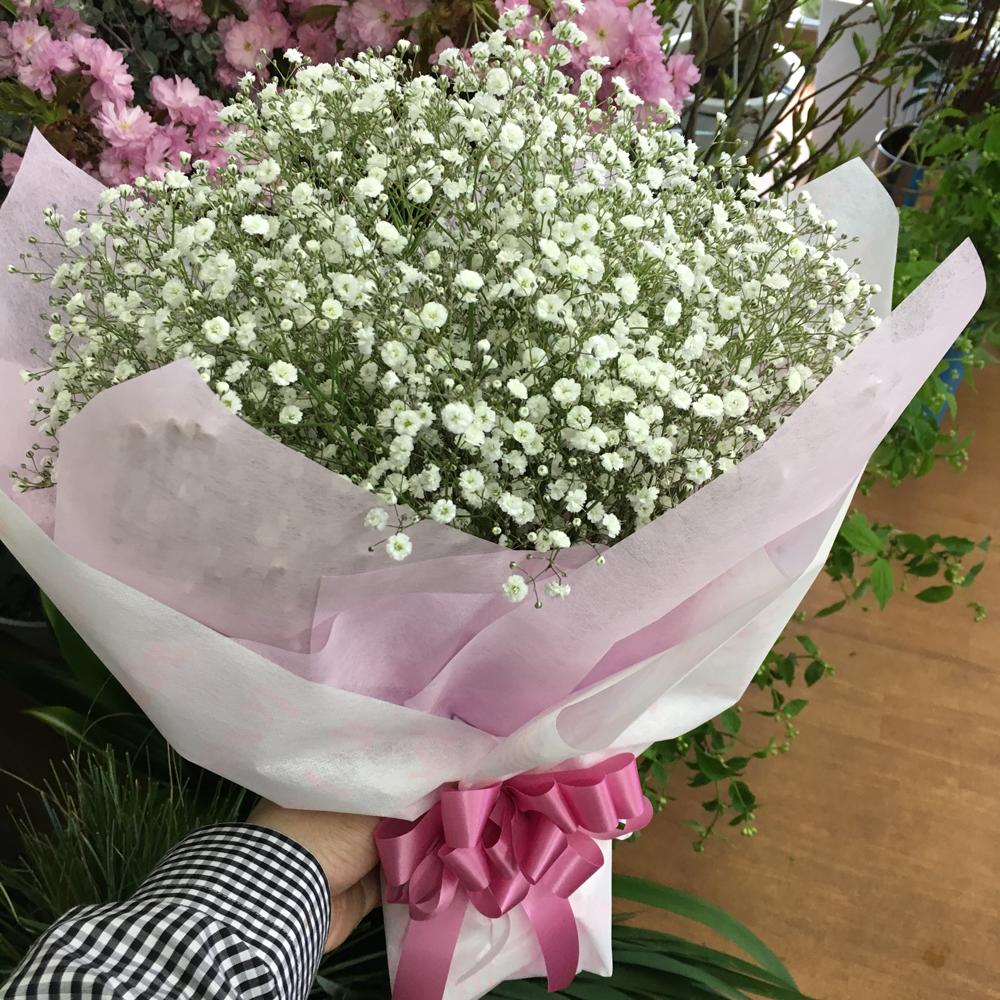 カスミ草の花束